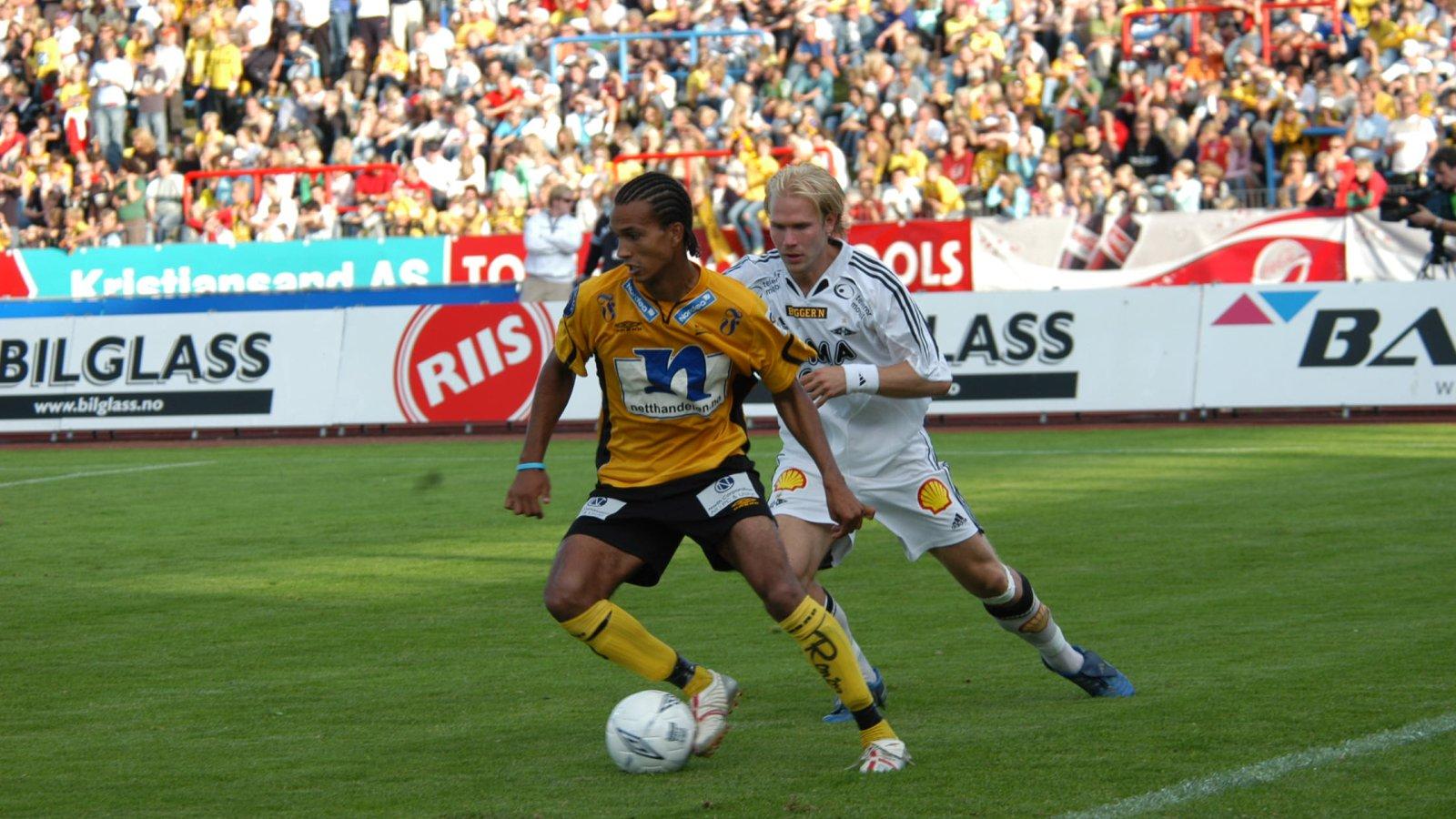 Alex Valencia i kamp med Dorsin